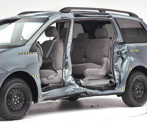 Toyota Sienna 2004 Pictures. TOYOTA Sienna 2004 - 2009