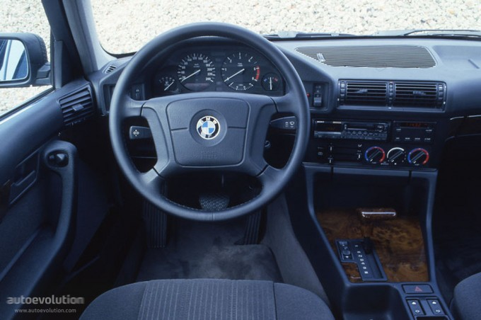 Bmw5series E34 Sedan Medium 775 5