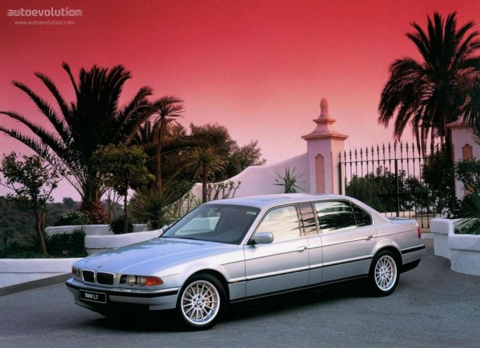BMW E38, ce mythe  BMWL7-medium-1669_1