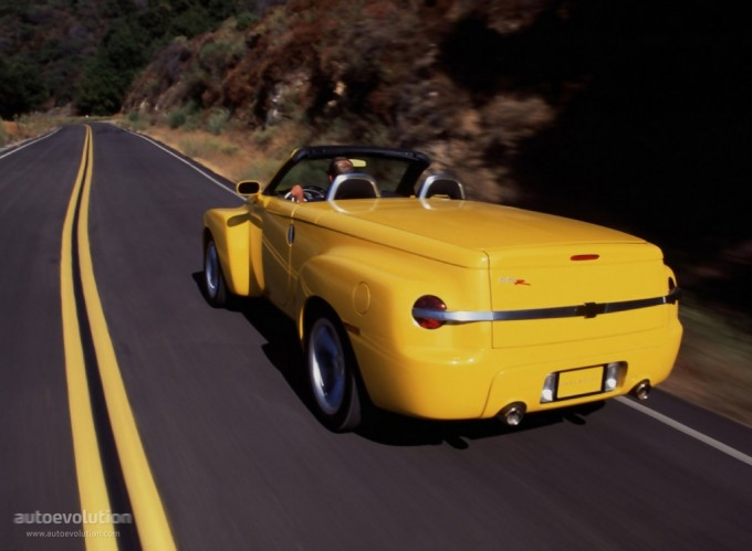 Chevrolet Ssr 2003. CHEVROLET SSR