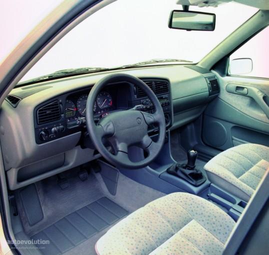 1993 Volkswagen Passat. VOLKSWAGEN Passat