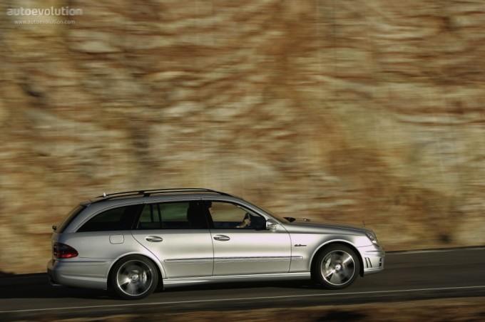 Mercedes - Benz E AMG T (2006)