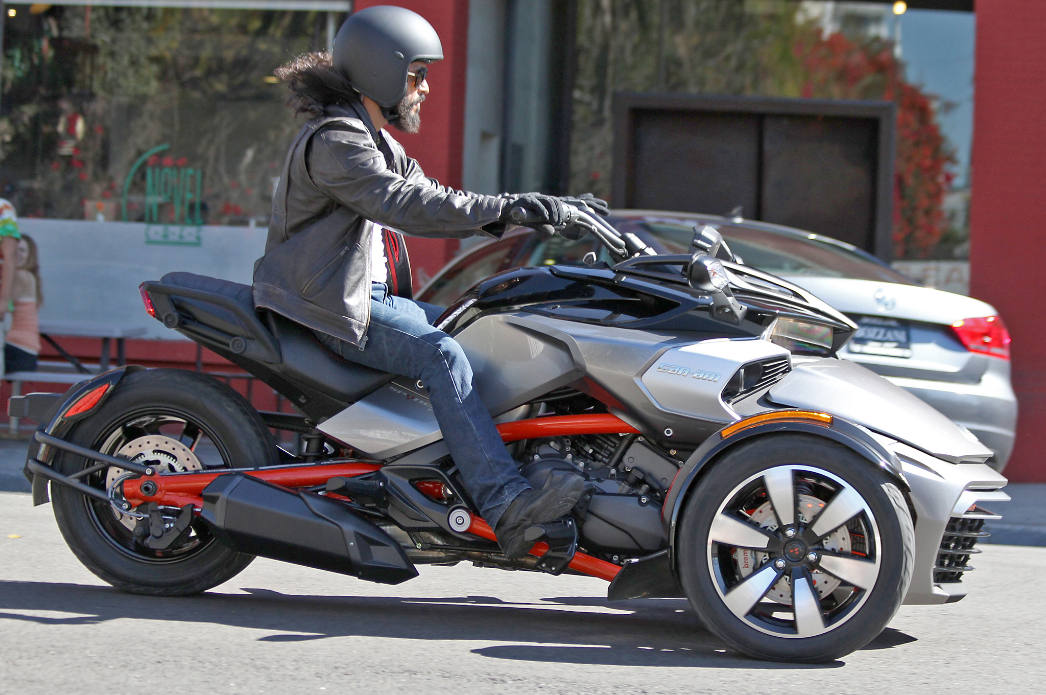 all new can am spyder f3 efi spotted with no camouflage photo gallery autoevolution. Black Bedroom Furniture Sets. Home Design Ideas