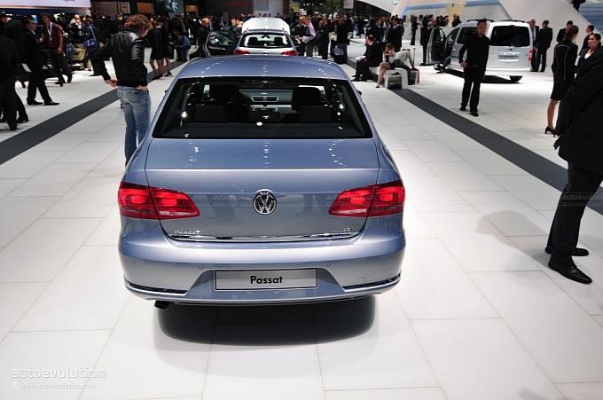 Volkswagen Passat 2012. 2012 Volkswagen Passat