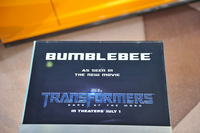 transformers dark of the moon bumblebee car. Dark of the Moon Camaro