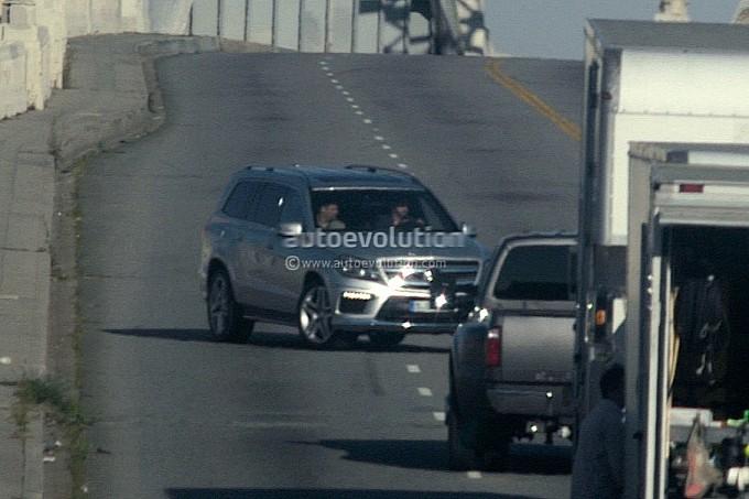 2012 - [Mercedes] GL II [X166] - Page 3 Spyshots-2013-mercedes-benz-gl-class-undisguised-medium_2