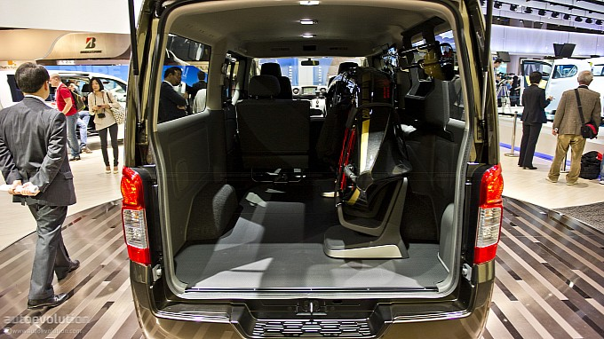 http://www.autoevolution.com/images/news/gallery/medium/tokyo-2011-nissan-nv350-caravan-live-photos-medium_6.jpg