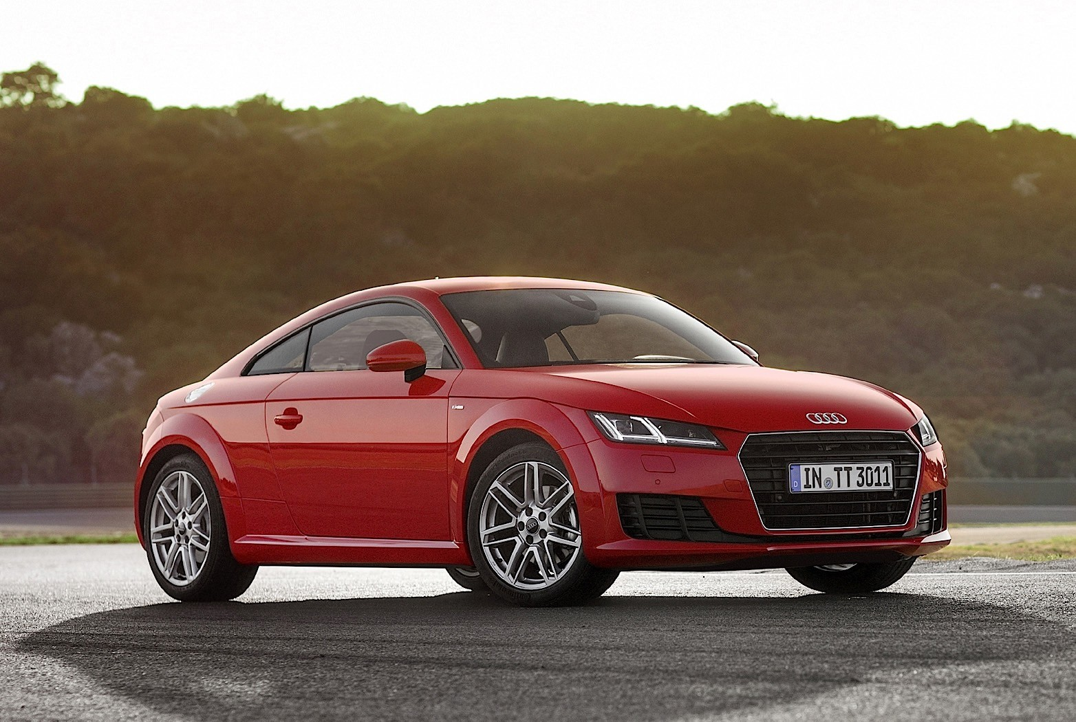 2016 audi tt 8s review autoevolution. Black Bedroom Furniture Sets. Home Design Ideas