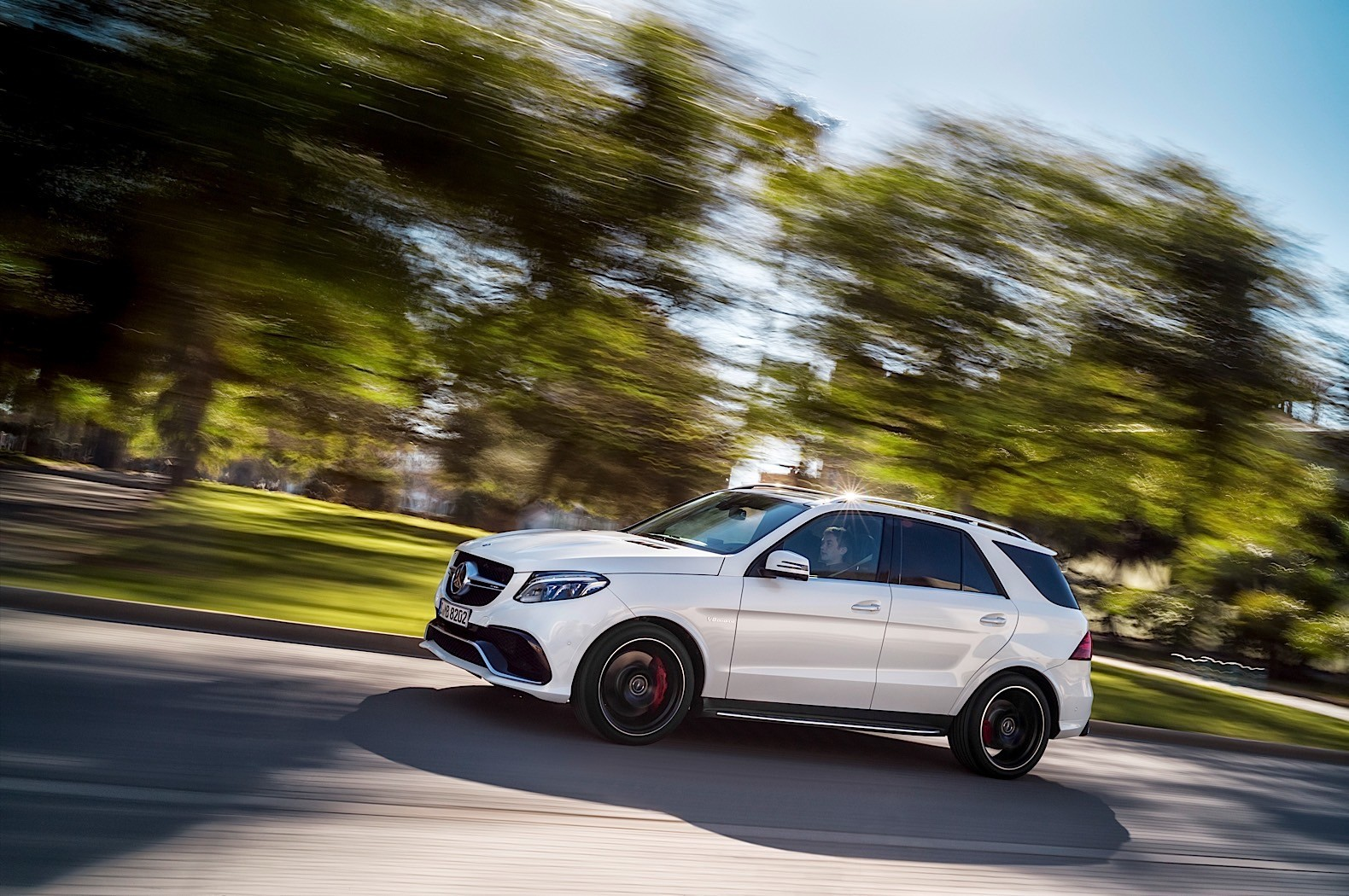 2016 mercedes benz gle review autoevolution for Gle mercedes benz