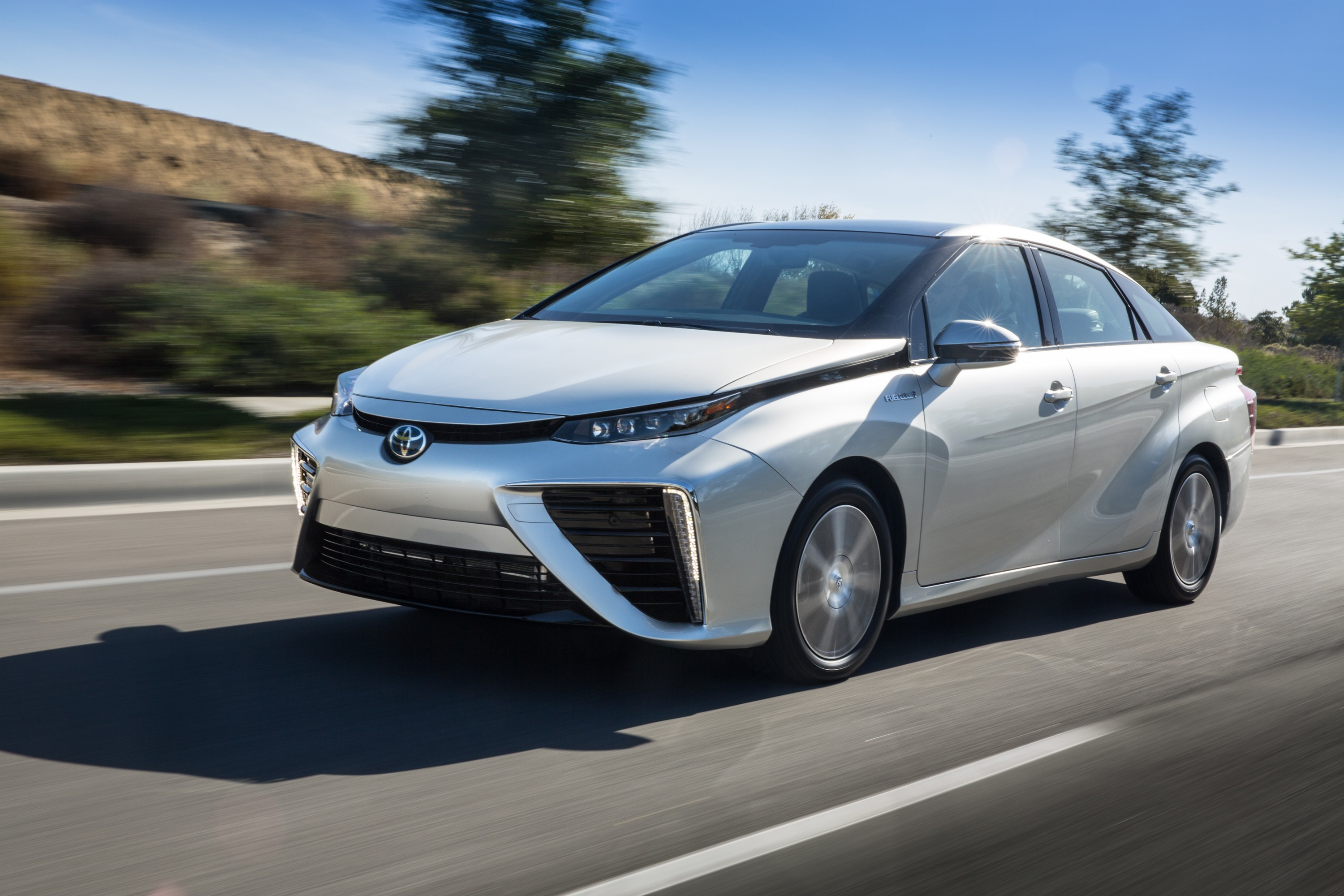 Model 2016 TOYOTA Mirai Review  Autoevolution