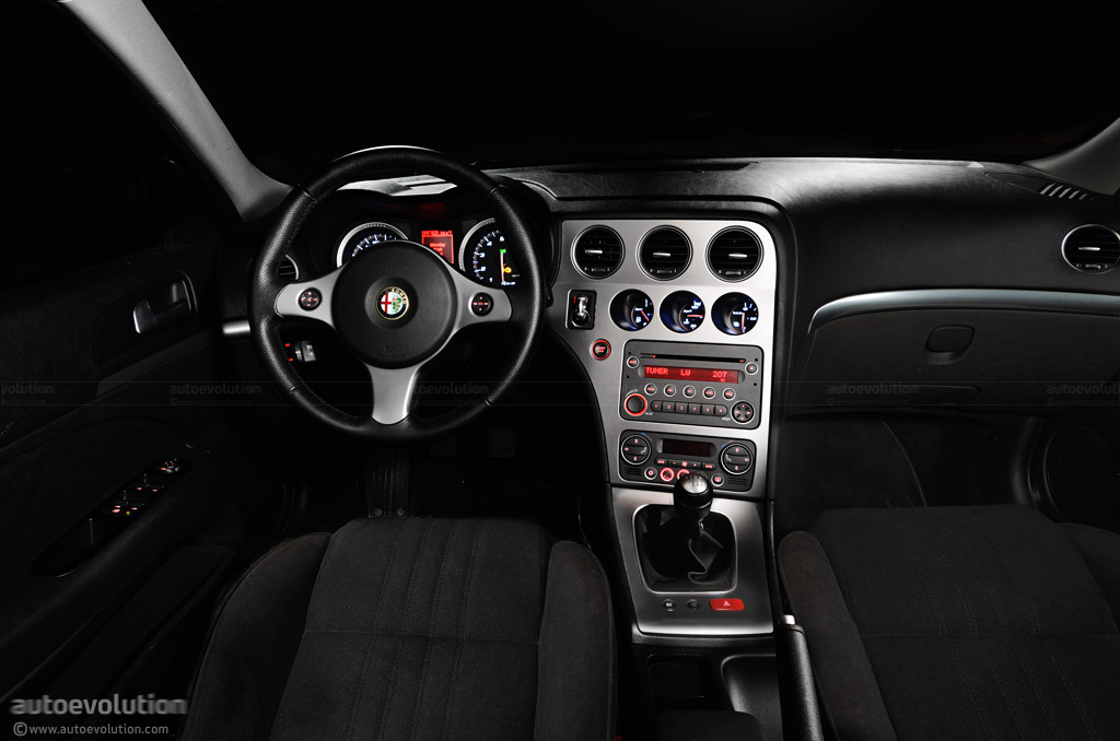 Free amazing hd wallpapers 1919 fiat 501 saloon for Alfa romeo 159 interieur