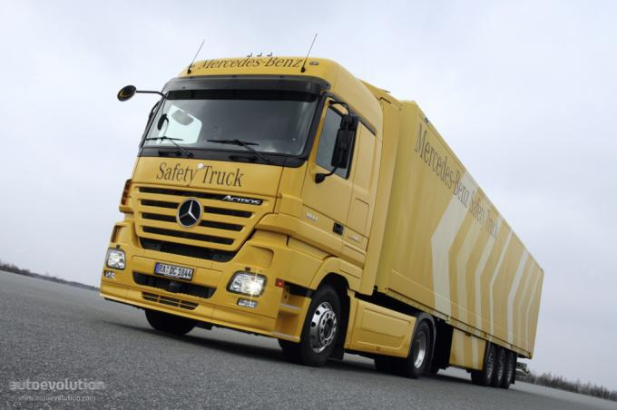 Kamioni  MERCEDESActros-medium-97_7